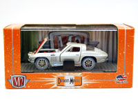 COLLECTABLE DIECAST 1966 CORVETTE 1/492