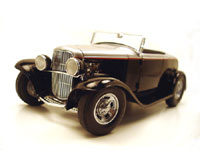 1932 FORD ROADSTER BLACK/SILVER