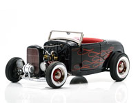 ALL AMERICAN '32 FORD ROADSTER BLACK FLAMES
