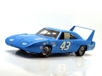 RICHARD PETTY - 1970 PLYMOUTH SUPERBIRD