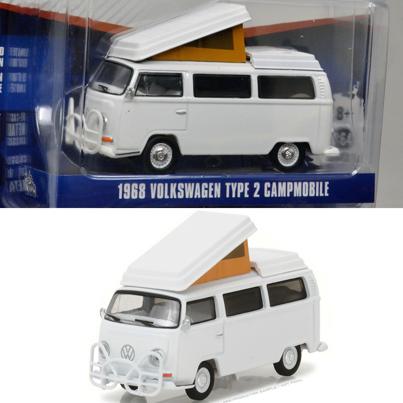Greenlight Club V-DUB 1975 Volkswagen Type 2 Ambulance - M